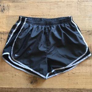 Women's Nike tempo running shorts size large